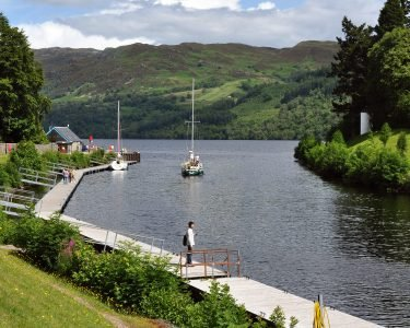 Caledonian_canal_at_Fort_Augustus