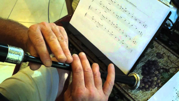 holding-practice-chanter